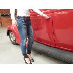 Animo Novino ,jeans,  riding