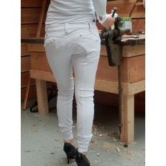 Animo Nitis breeches.Colours : Black and white