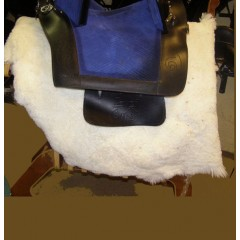 Sheepskin saddlepad